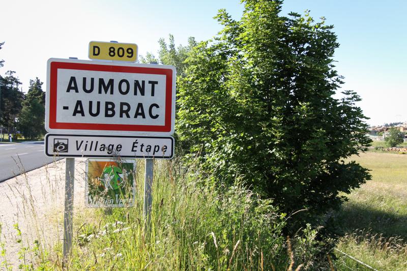 http://www.aumontaubrac.fr/assets/sites/8/Panneau-entr%C3%A9e-Aumont-Aubrac.jpg